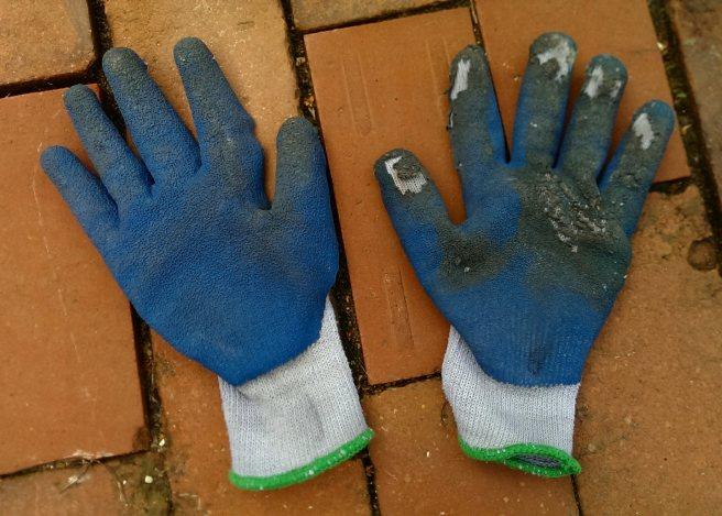 bruno-david-gallery_moving-gloves_9-2016